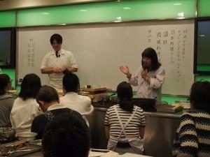 まずは、津貴子会長が講師の先生を紹介